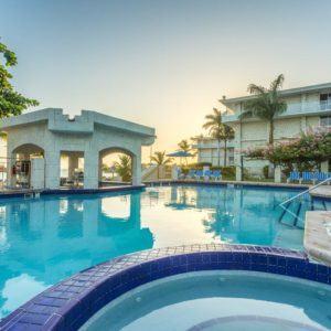Montego Bay Airport Transfers To Holiday Inn Sunspree Resort