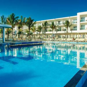 Montego Bay Airport Transfer To Hotel Riu Reggae Jamaica