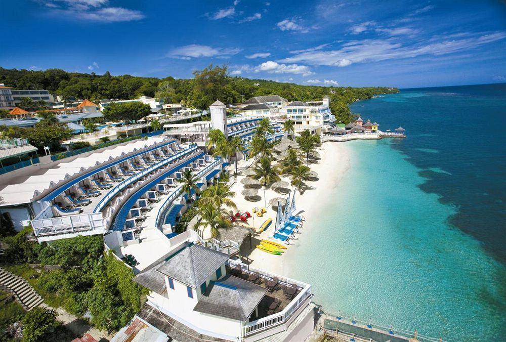 Montego Bay Airport Private Transfers To Beaches Boscobel