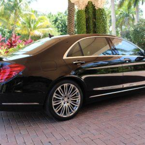 Travel in comfort and style making the most of your vaction in our air conditionrd luxury vehicles with our professional drivers.