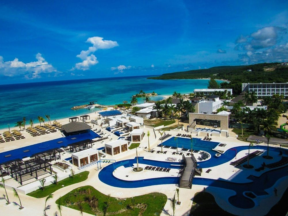 Royalton Blue Waters Town Car Transfer From Montego Bay