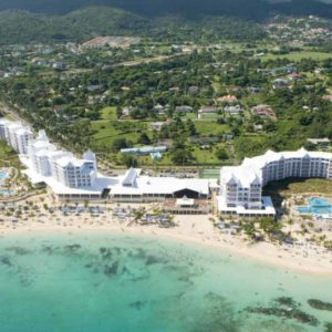 private-transfer-from-kingston-airport-to-riu-ocho-rios