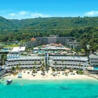 private-transfer-to-ocho-rios-hotels-from-montego-bay-airport