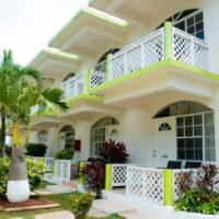 fun-holiday-beach-resort-from-montego-bay-airport
